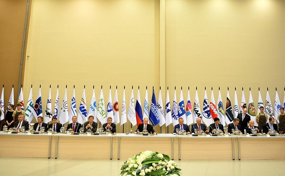 П.А. Рожков в г. Сочи принял участие в международной конвенции «Спортаккорд», в рамках которой провел ряд встреч с президентами международных спортивных организаций