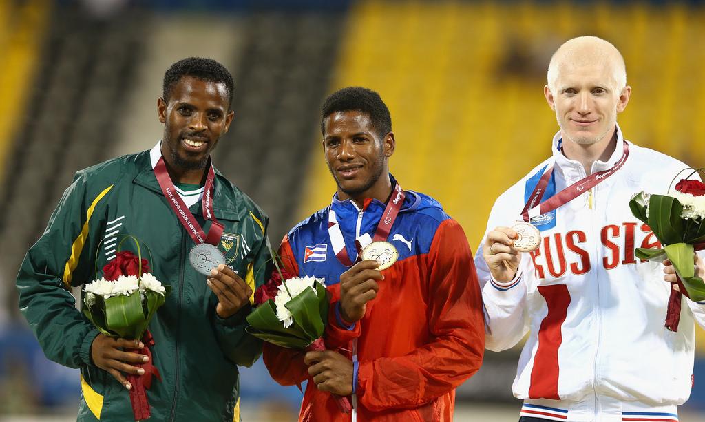 Российские легкоатлеты в четверг завоевали 4 золотые медали, 3 серебряные и 1 бронзовую в вечерней программе восьмого дня чемпионата мира IPC в Катаре