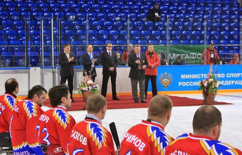 В  г. Сочи стартовал Чемпионат России по хоккею-следж  -  тестовое соревнование для подготовки и проведения зимней Паралимпиады в г. Сочи в 2014 году