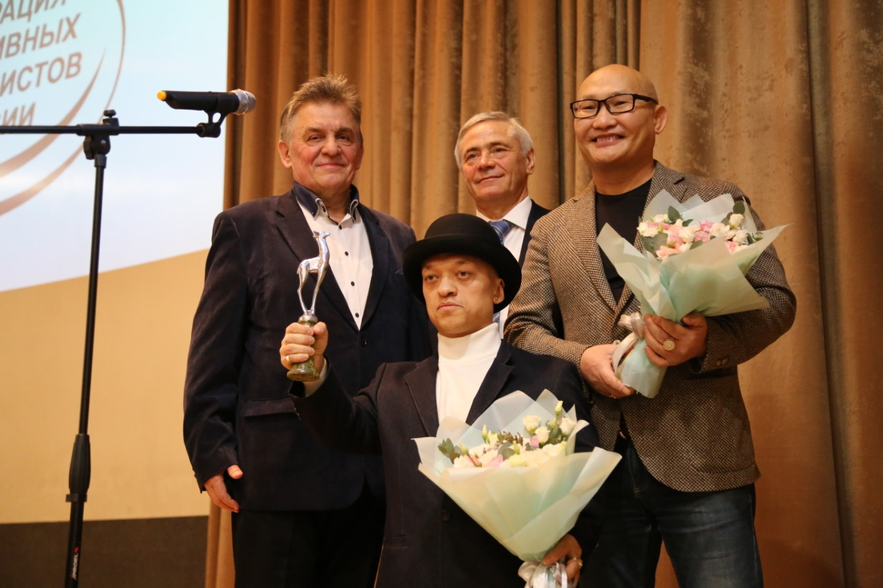 П.А. Рожков в ОКР принял участие в награждении В.Балынец премией «Серебряная лань», утвержденной Федерацией спортивных журналистов России