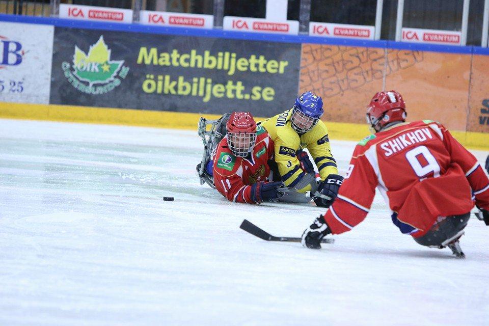Сборная России разгромила команду Швеции, одержав вторую победу на чемпионате Европы по хоккею-следж в Эстерсунде