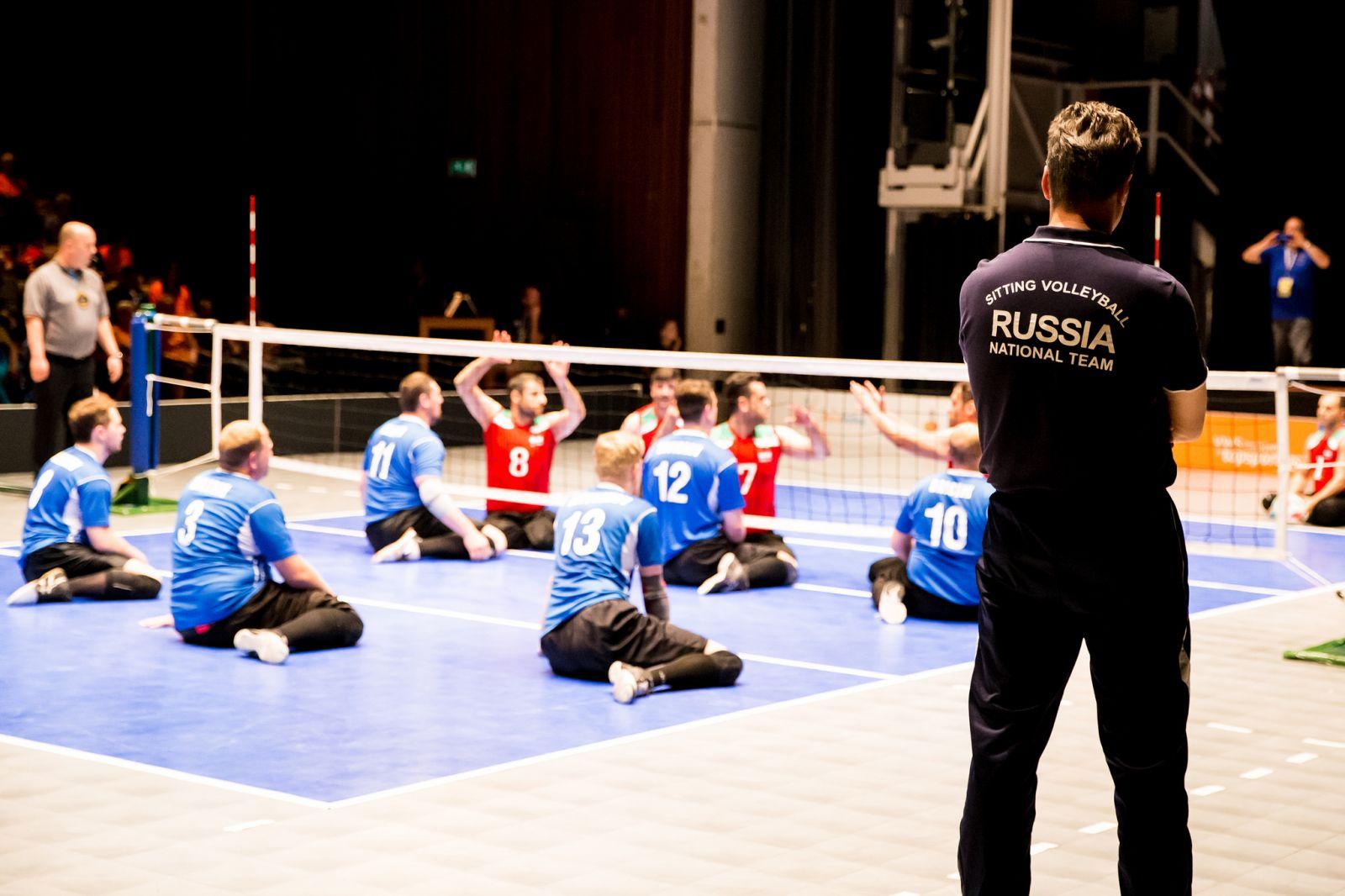 Мужская сборная команда России по волейболу сидя продолжит выступление в четвертьфинале чемпионата мира в Нидерландах