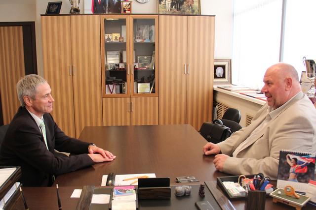 П.А.Рожков в офисе ПКР провел встречу с руководителем регионального отделения ПКР в Свердловской области, вице-президентом Федерации керлинга России А.А.Рябухиным