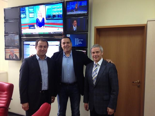 В  офисе  РБК - ТВ  состоялась встреча  П. А. Рожкова  с генеральным директором  РБК-ТВ  А. М. Любимовым