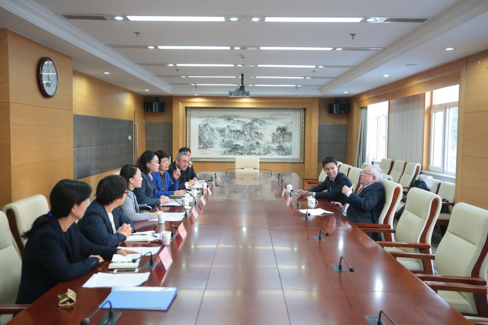 В.П. Лукин в г. Пекине (КНР) встретился с президентом НПК Китая, президентом Международной организации реабилитации инвалидов Хайди Чжан