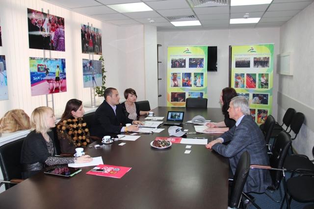 П.А. Рожков в офисе ПКР провел  встречу с руководителем Департамента  по связям с общественностью NBA (национальная баскетбольная Ассоциация) Эриком ДиМичели