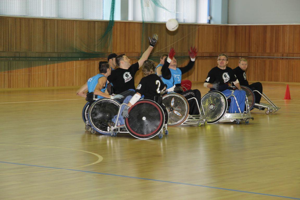 Шесть команд вступили в борьбу за звание чемпиона России по регби на колясках