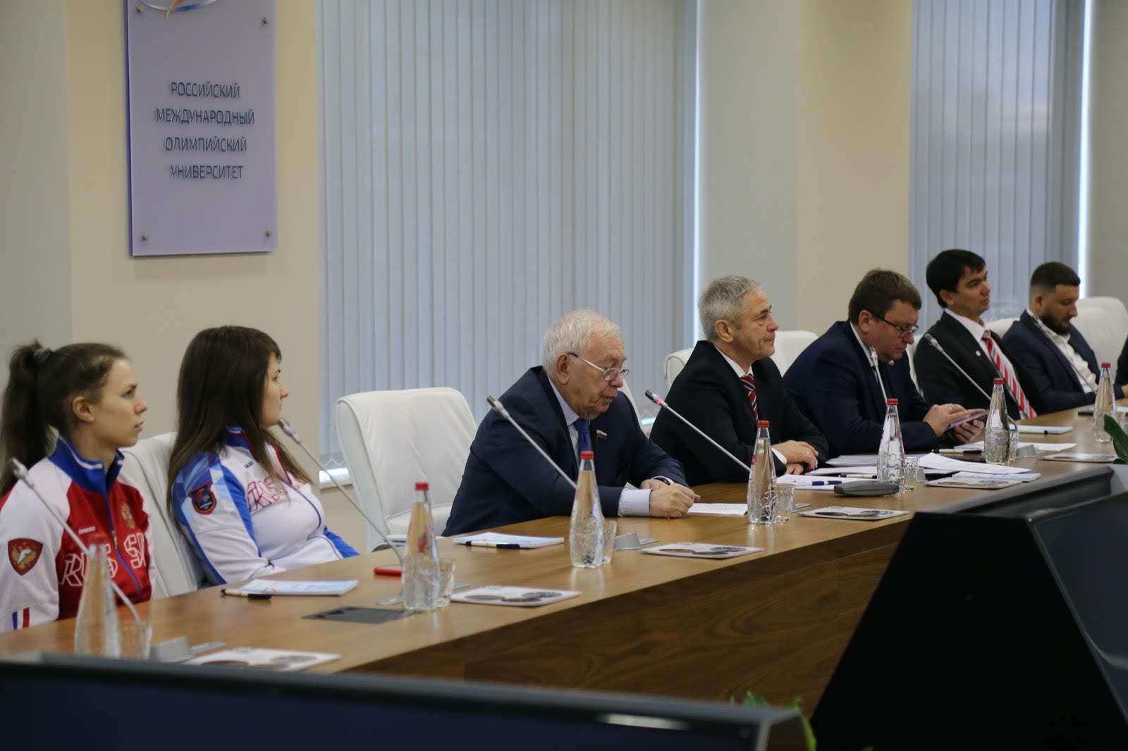 ПКР в г. Сочи в рамках Международного дня инвалидов и празднования 10-летия РМОУ провел образовательный семинар для членов паралимпийских сборных команд России