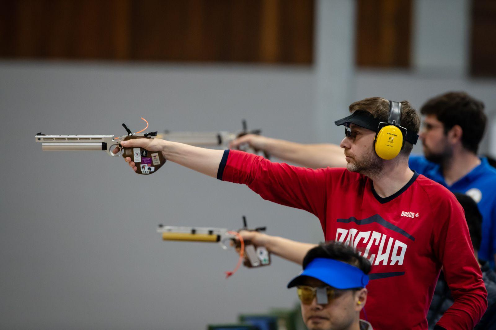 Саратовский спортсмен Сергей Малышев завоевал серебряную медаль в заключительный день чемпионата мира по пулевой стрельбе МПК в Австралии
