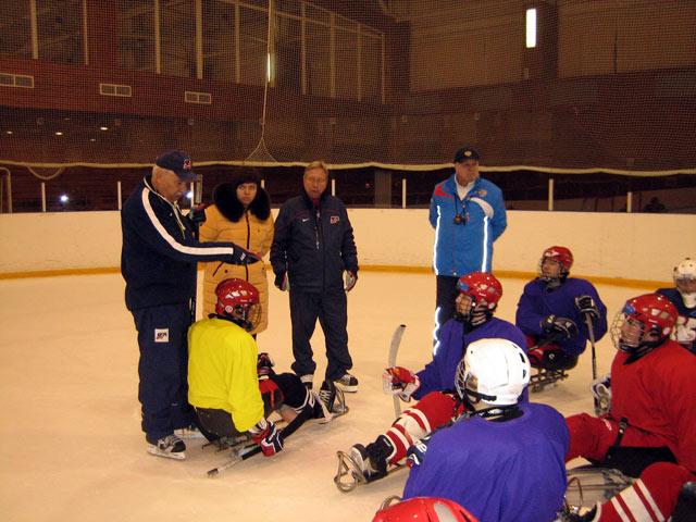 В Алексине (Тульская область) состоялся мастер-класс по хоккею-следж