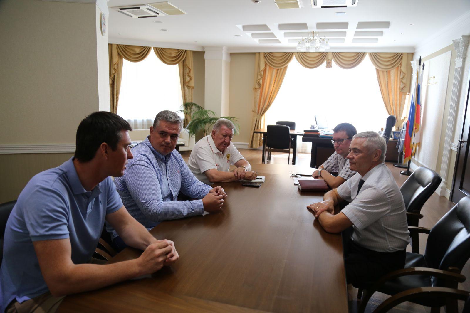 П.А. Рожков в офисе ПКР встретился с президентом Федерации гребного спорта России А.В. Свириным