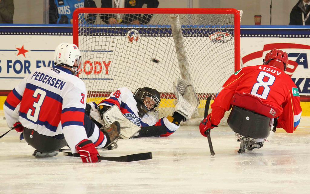 Сборная команда России по хоккею-следж завоевала бронзовые награды чемпионата мира в США