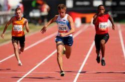 Андрей Вдовин принес сборной России первую золотую медаль на чемпионате мира IPC по легкой атлетике в Катаре, победив с мировым рекордом на дистанции 200 метров