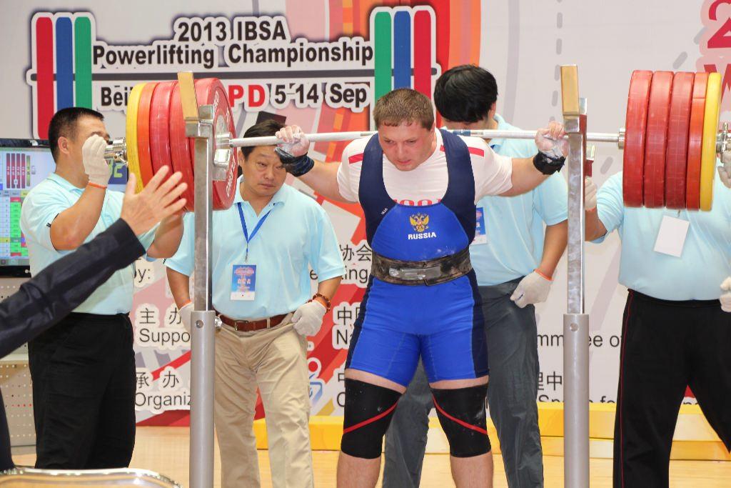 Сборная команда России завоевала 6 медалей в первый день чемпионата мира по пауэрлифтингу и жиму лежа спорт слепых в Турции