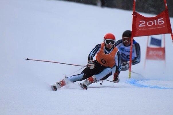 Во второй соревновательный день российские спортсмены завоевали две золотые, одну серебряную и одну бронзовую медали  этапа Кубка мира по горнолыжному спорту среди лиц с поражением опорно-двигательного аппарата и нарушением зрения, который проходит в г. С