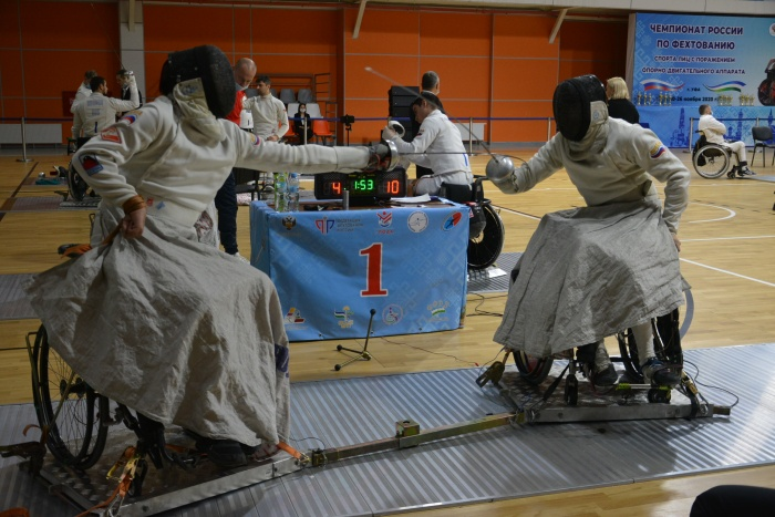 Представители 11 регионов страны принимают участие в чемпионате России по фехтованию на колясках в Уфе