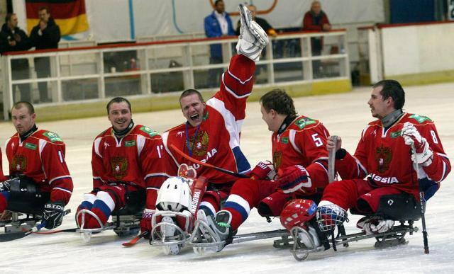 Сборная команда России по хоккею-следж одержала первую победу на чемпионате мира