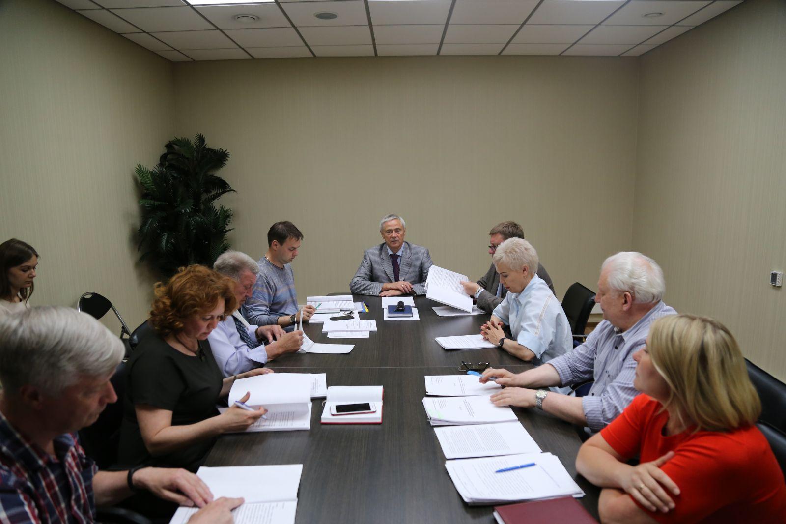 П.А. Рожков в офисе ПКР провел совещание руководителей и представителей Общероссийских спортивных федераций по видам инвалидности и руководителей ПКР