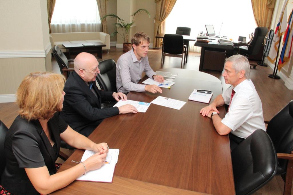 В офисе ПКР состоялась встреча П.А. Рожкова с председателем регионального отделения ПКР в г. Москве В.Т. Пругло