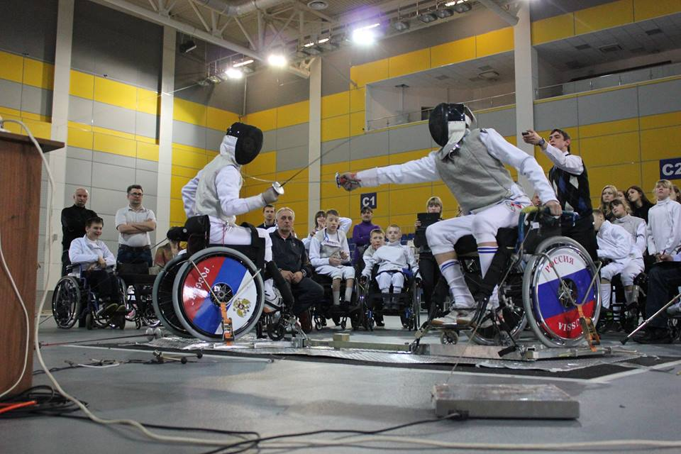 Сборная России завоевала 4 золотые, 3 серебряные и 10 бронзовых медалей на чемпионате мира по фехтованию на колясках в Венгрии