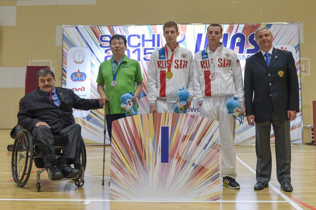 Российские паралимпийцы выиграли 38 золотых, 34 серебряных и 28 бронзовых медалей в четвертый день Всемирных игр IWAS-2015 в Сочи, укрепив лидерство в медальном зачете