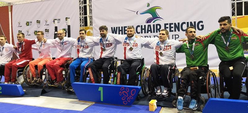 1 золотую, 5 серебряных и 8 бронзовых медалей завоевала сборная команда России по фехтованию на колясках на Кубке мира в Бразилии