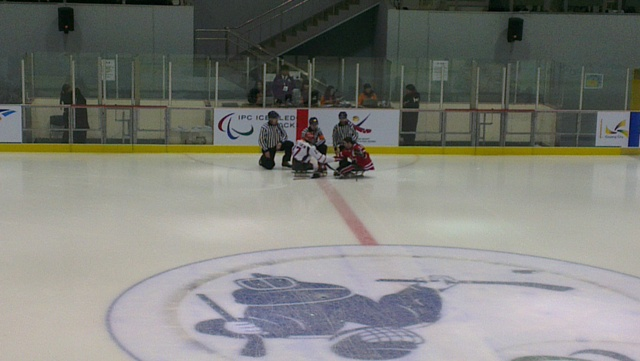 Сборная России по хоккею-следж уступила сборной Канаде с минимальным  счетом 3:4  на Чемпионате мира в Южной Корее