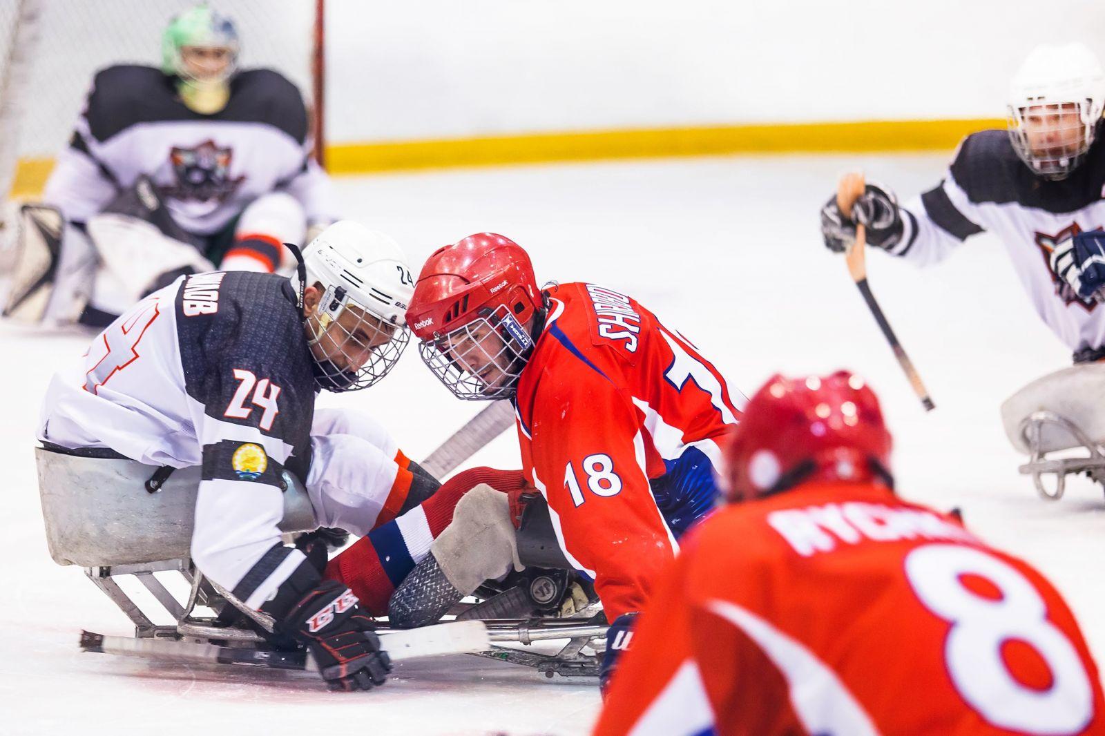 Итоги первого дня первого круга чемпионата России по следж-хоккею в Ижевске