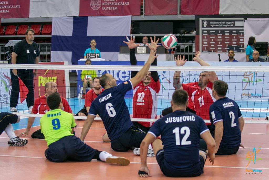 Мужская и женская сборные команды России выиграли чемпионат Европы по волейболу сидя