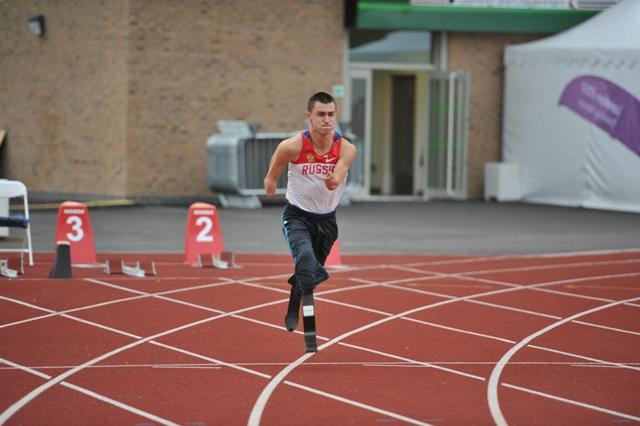 Спортсмены-паралимпийцы, прилетевшие накануне в Лондон  для участия в XIV Паралимпийских летних играх, приступили к тренировкам на паралимпийских спортивных объектах