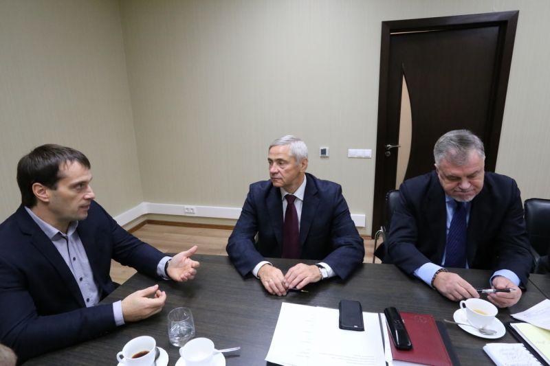 П.А. Рожков в офисе ПКР провел рабочую встречу с Э.В. Исаковым и С.А. Самойловым