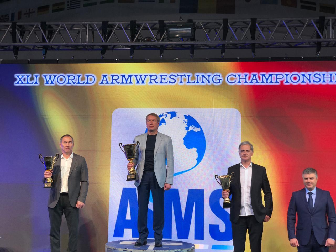 Сборная команда России по армрестлингу выиграла общекомандный зачет чемпионата мира в женской категории и стала второй – в мужской